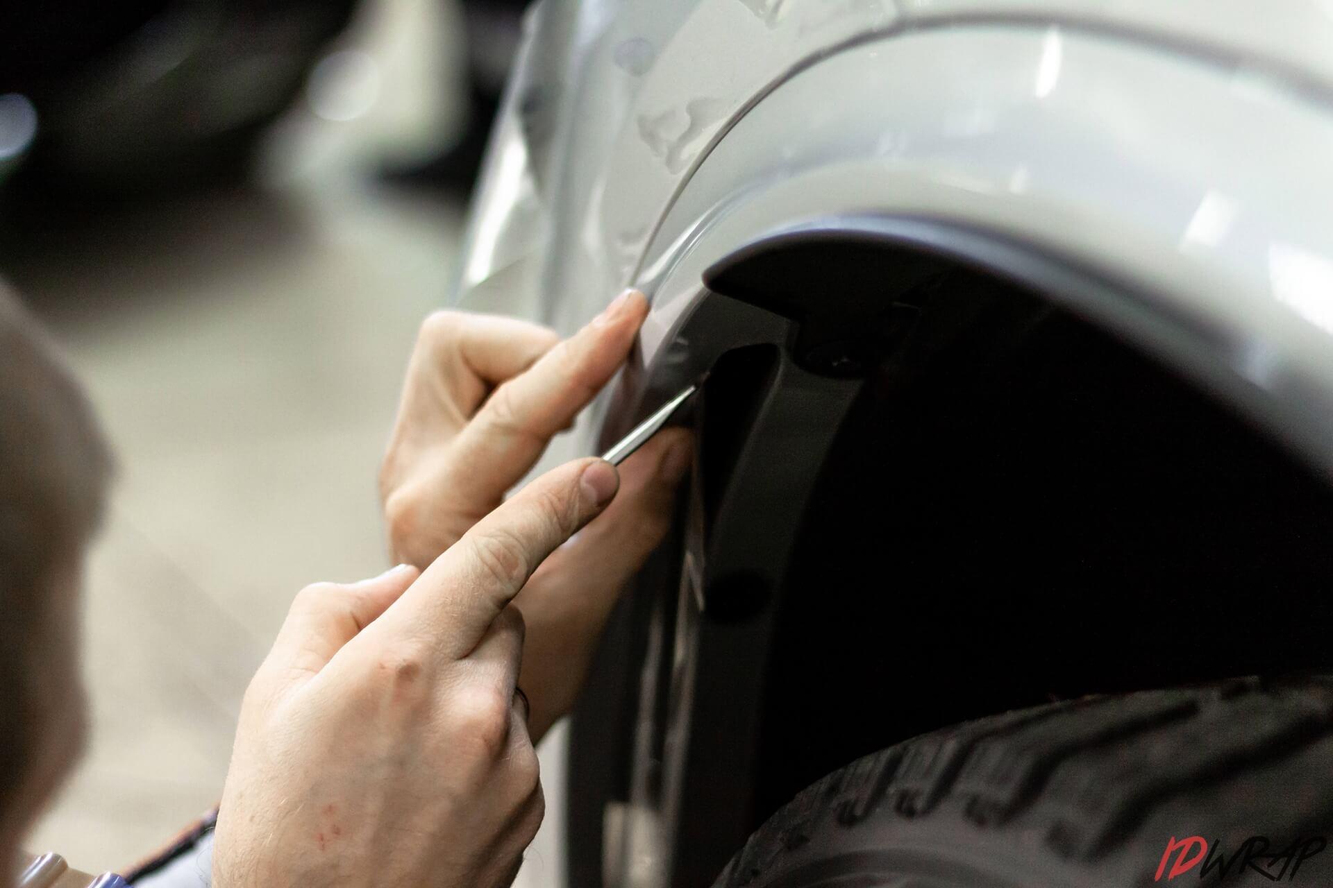 Защита зоны риска BMW X5 пленкой Spectroll