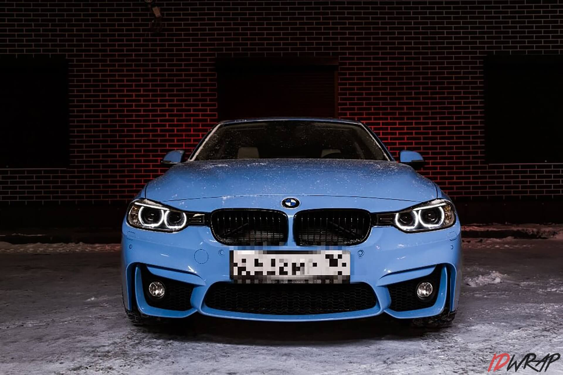 BMW голубой глянец