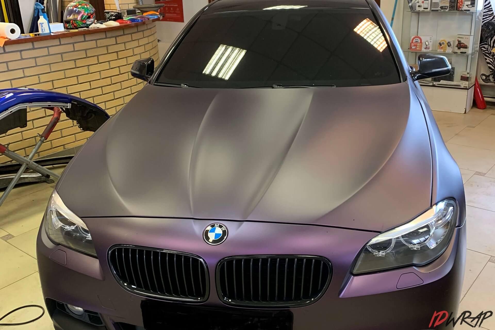 BMW 5 серии поклеен матовой пленкой KPMF