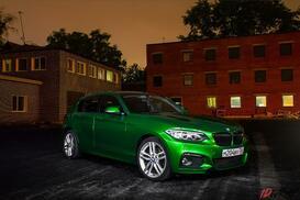 BMW X1 оклеен в 3m electric green