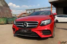 Mercedes E-class oracal red