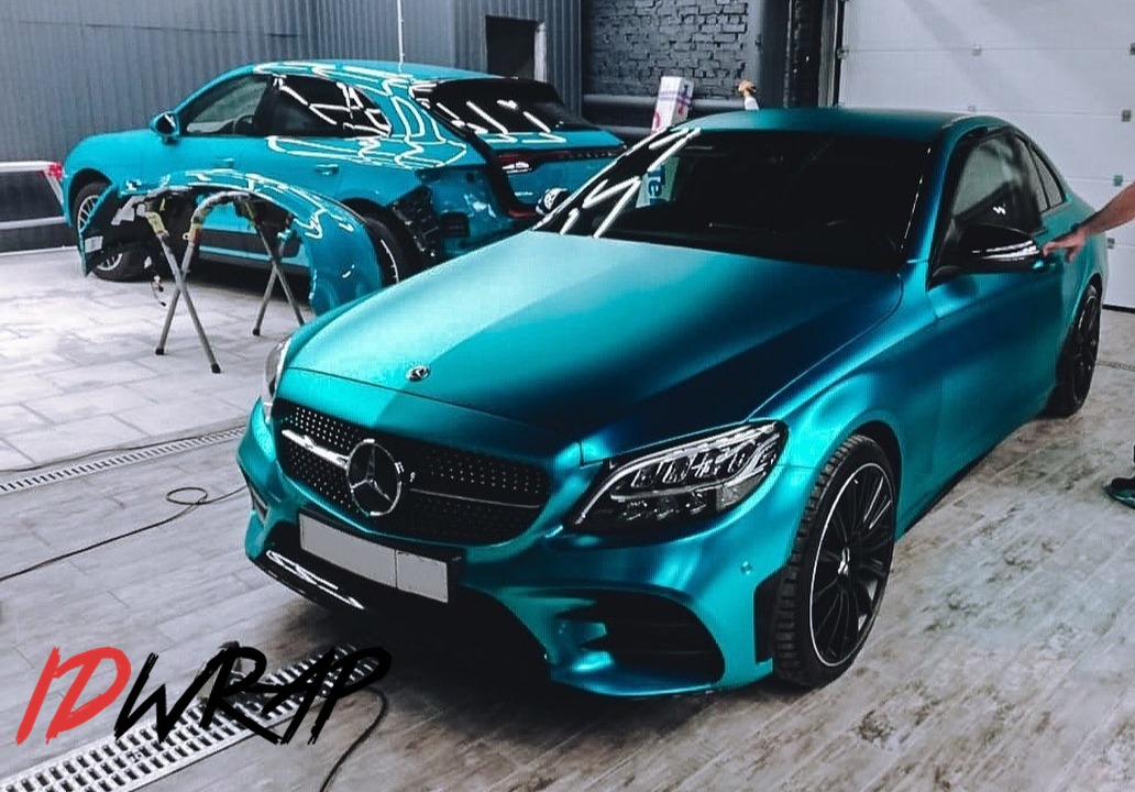 Mercedes Benz оклеен пленкой Hexis