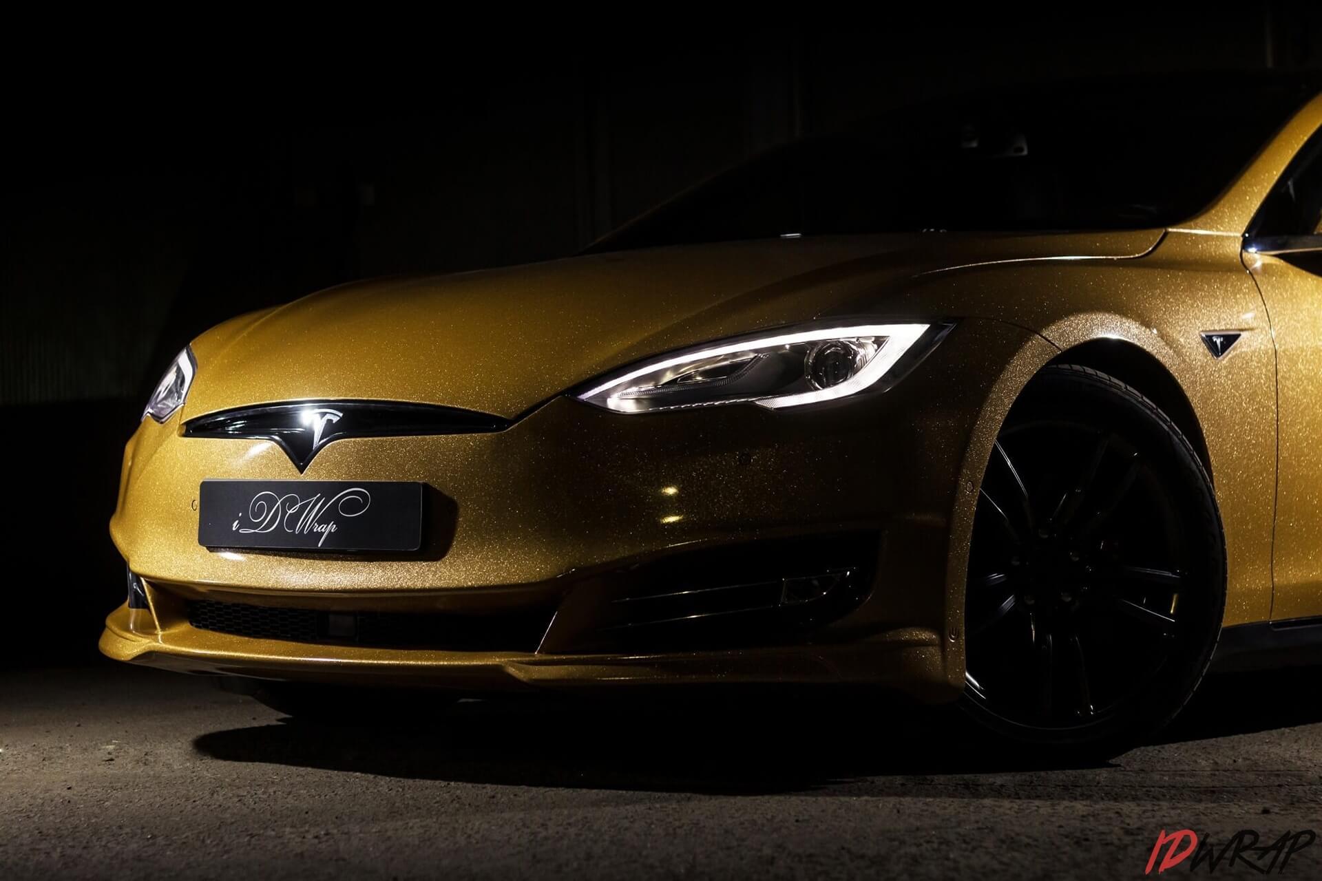 Золотая Tesla